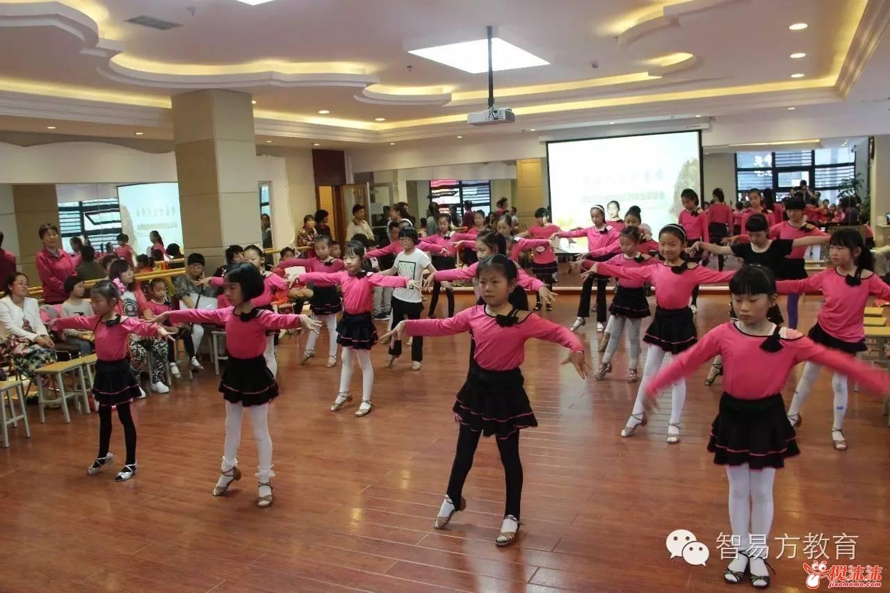 西宁这家培训学校,竟然开启9.9元课堂 还能享受湟川 七中 虎台的名师图片