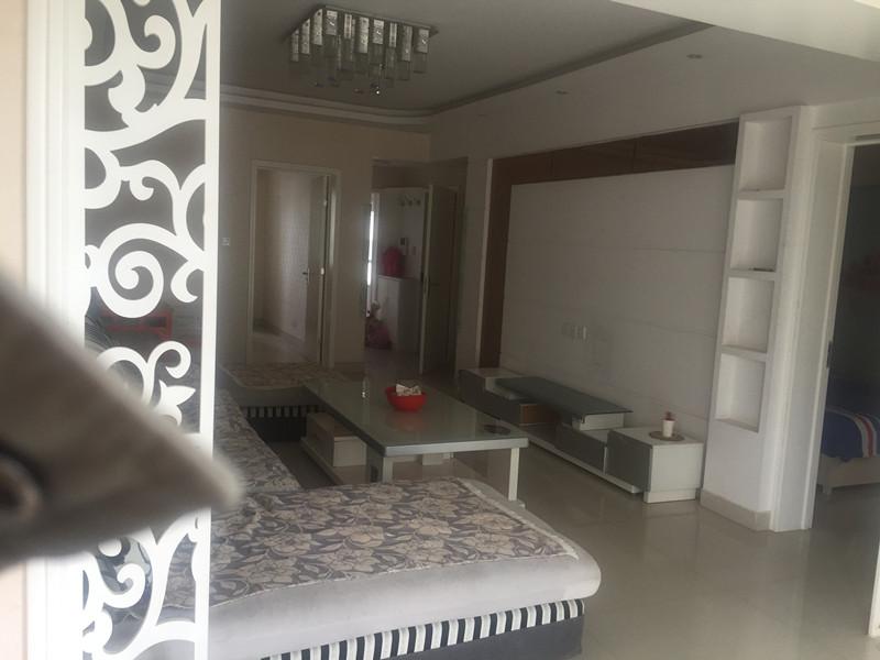 西宁市城东区华庭仁和国际高层100平精装修房屋出租