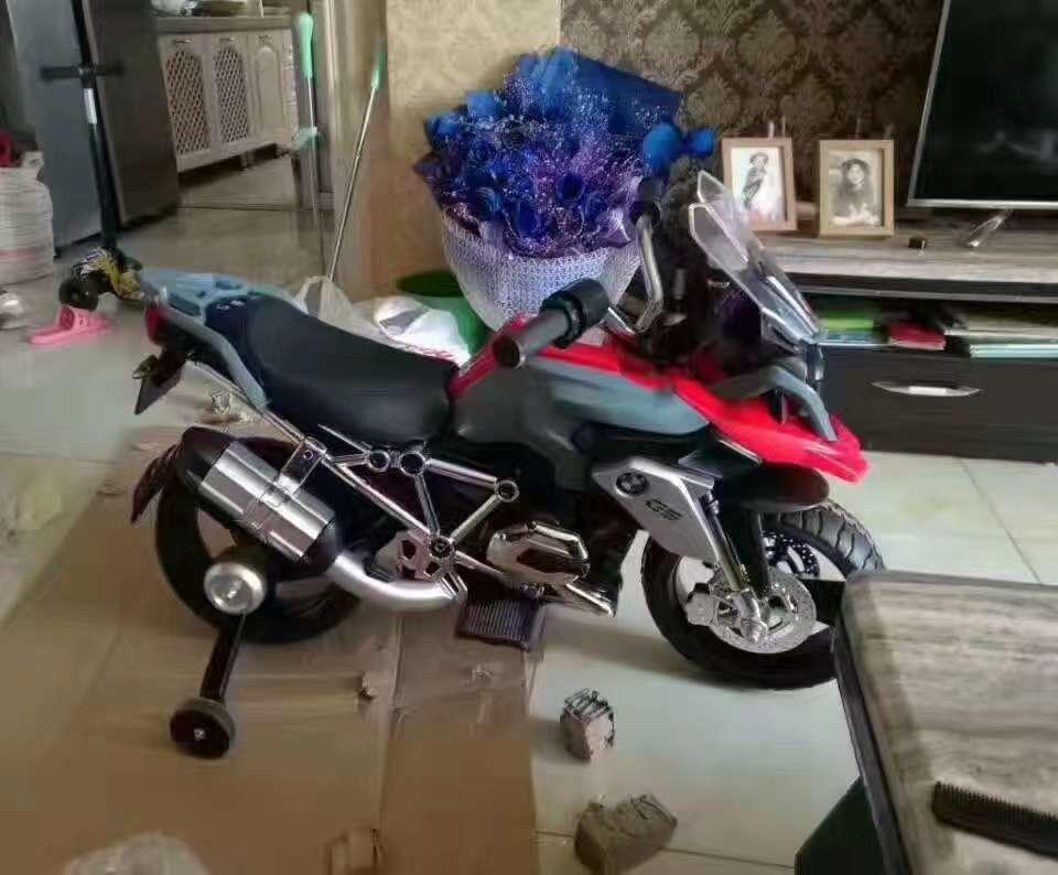 宝马儿童摩托