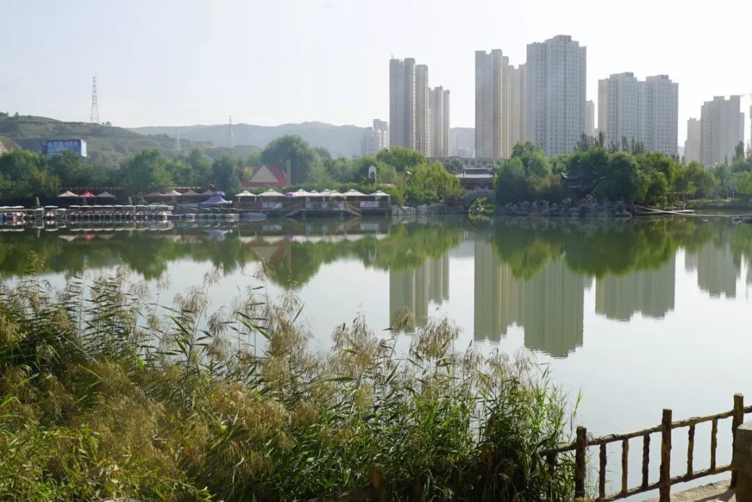 在西宁各区县,工作多少天才能买1m2的房?