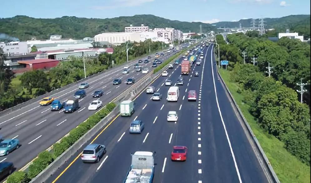 10月1日起,这5款车节假日高速不再免费,有你的车吗?