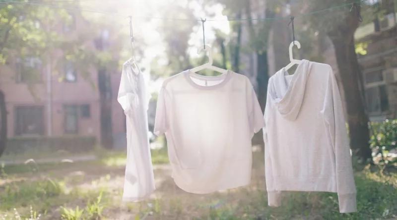 衣服不管沾上什么,用它泡一泡,脏东西自动跑出来!