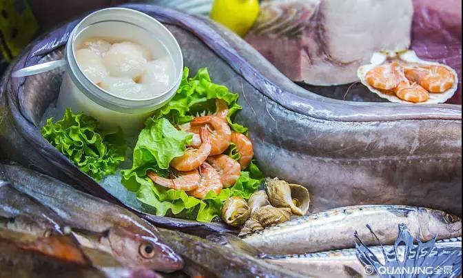 在给儿童食用海鲜食品时,要格外注意.