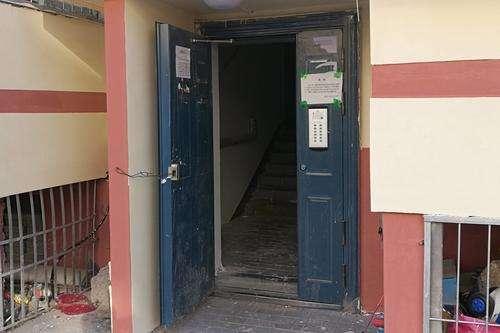 西宁市某小区单元门修复后,维修费到底谁应埋单?