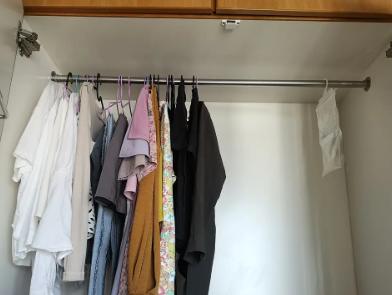 同学给我看了她在香港租的6200的5平米小房子,还以为她过得多好,还是挺苦的
